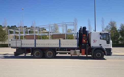 estructura en camión pluma